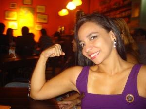 Ok, não há bíceps a serem vistos, mas só a pose, já não dá uma impressão de que eu sou sarada? ;-)